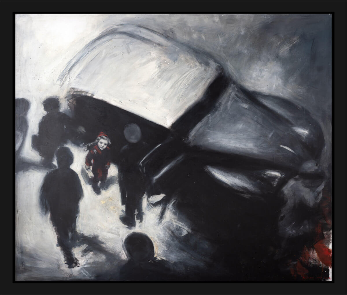 Ellinor står i en rød kappe ved siden av en bil. Akryl på plate, maleri av Vebjørn Sand.