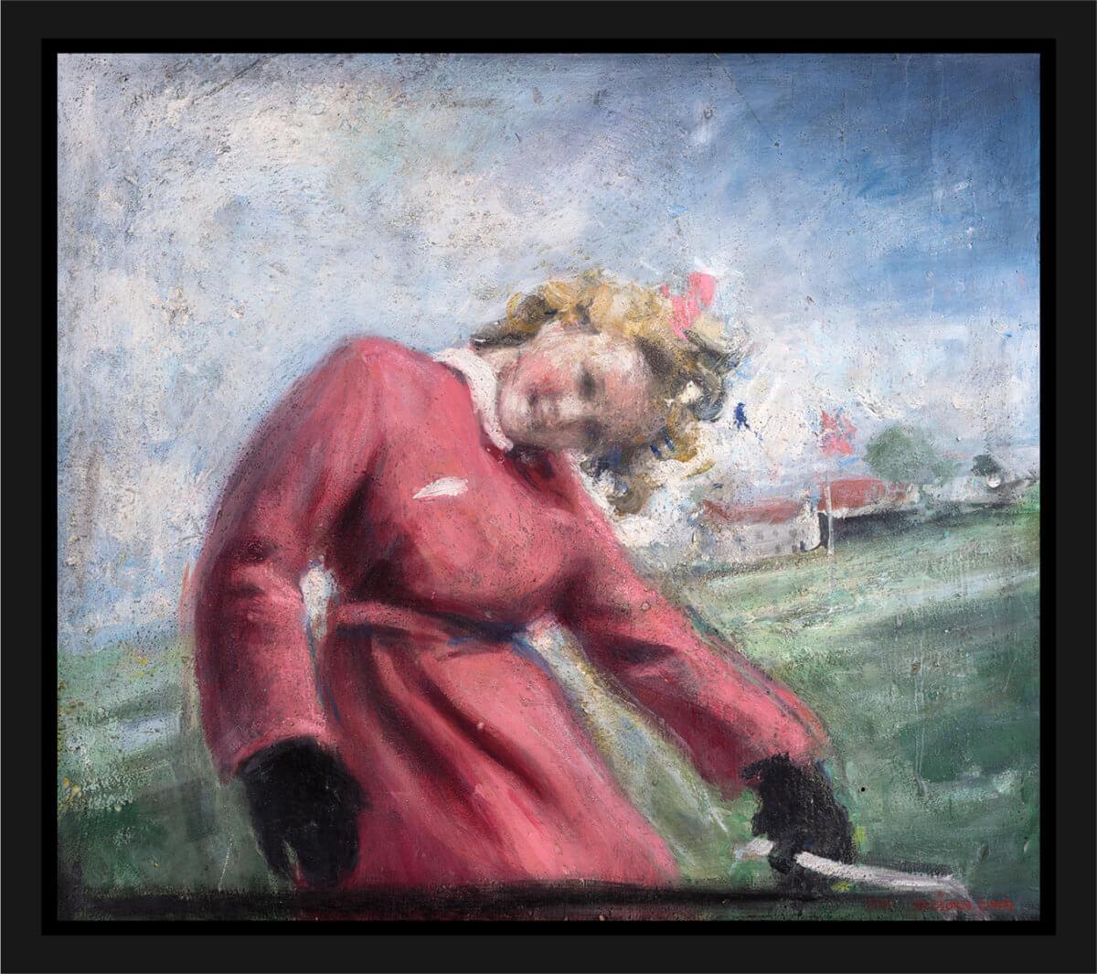 En kvinne i en rosa trenchcoat vipper hodet mot betrakteren. Akryl på plate, maleri av Vebjørn Sand.