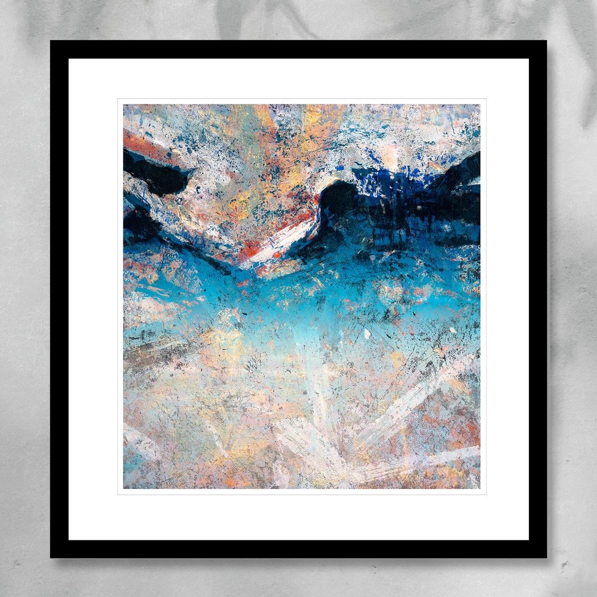 Abstrakt kunst med en blå fjellformasjon og hvite penselstrøk, i Antarktis. Håndkolorert litografi av Vebjørn Sand.